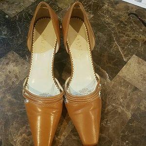 Ralph Lauren brown leather heels 7 1/2 B